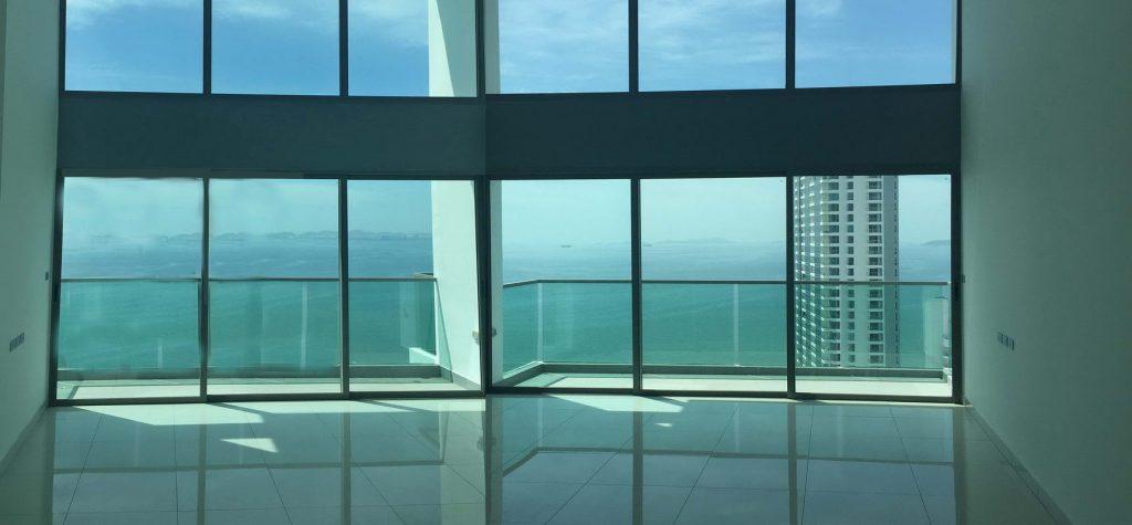 Eigentumswohnung mit Meerblick in Pattaya hell und freundlich