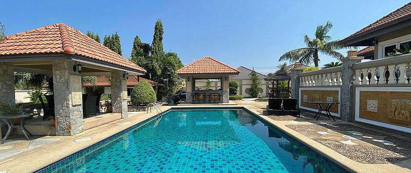 Haus in Nord - Pattaya mit Pool und grossem Grundstück
